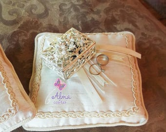Cushions for rings and arras