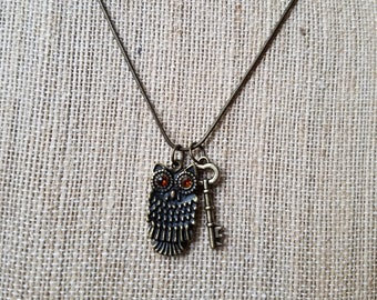 Handmade, Bronze colored/Owl necklace with a key