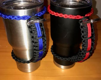 Thin line tumbler paracord handle