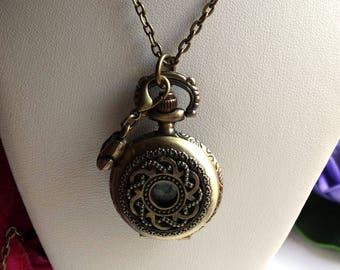 Necklace bronze retro finely engraved Pocket Watch Tulip