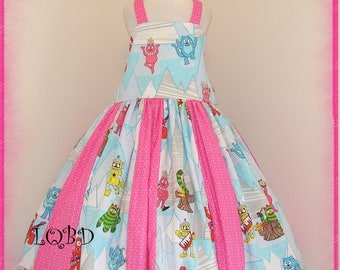 Girls - Y0 Gabb@ Dancing Robots Dress - Ready to Ship - CLEARANCE SALE - Size 6/7 maybe 7/8 - Birthday Party Girls