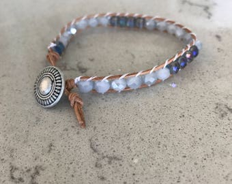 Single wrap bracelet with white and blue beads