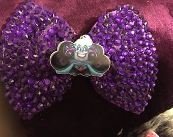 Ursula sea with large hair clip