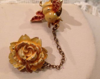 vintage honeybee and rose enameled brooch/ pin from circa 1970's. very pretty brooch/ pin both honeybee and rose chained together.