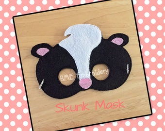 Skunk Felt Mask- Child's Dress Up and Imaginary Play- Birthday Party Favor-Photo Shoot-Pretend Play-Theme Party- Woodland Animal Mask