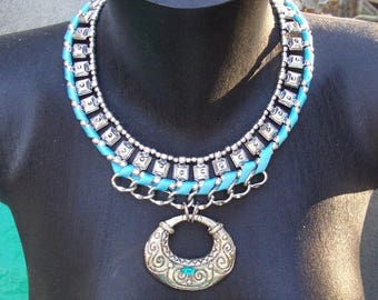 Necklace with crew neck (Cléopatra)
