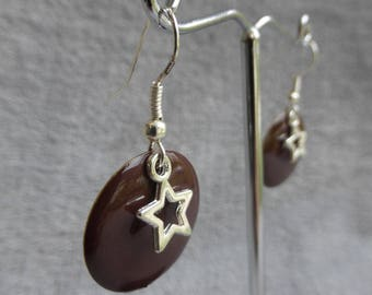 Earrings with chocolate brown enamelled sequins and hollow star charms
