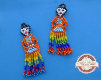 2 dolls woven colorful glass 30x60mm