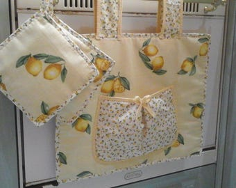 Oven cover and potholders in shades of yellow