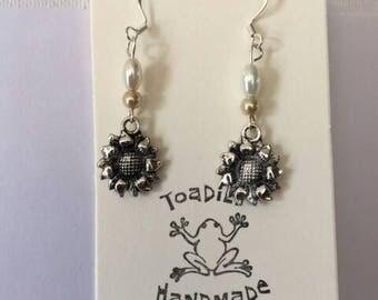 Silver sunflower earrings/silver earrings/earrings/flower earrings