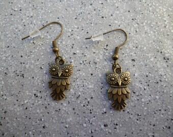 Lovely nugget earrings in antique bronze