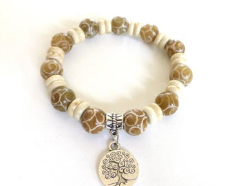 Beige agate and tree of life charm bracelet