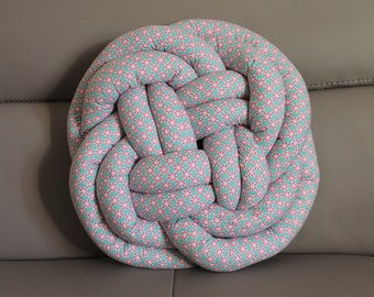 Sailor knot pillow