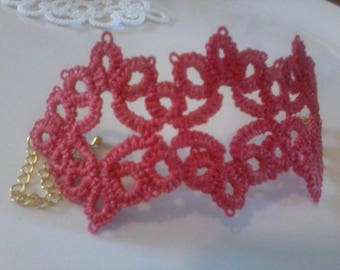 Bracelet lace tatting necklace fuchsia pink linen gold nickel free