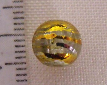 set of 10 clear and gold 8mm glass beads