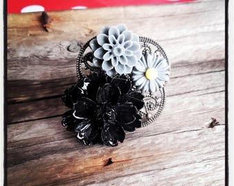 Ring bronze cabochon flower black