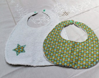 2 baby bibs for baby
