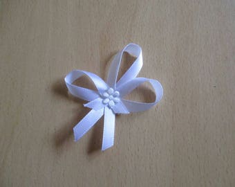 set of 5 boutonnieres pins-wedding white color
