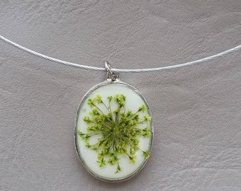 Choker + lime green oval pendant, resin and dried flower color