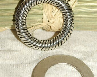 Rings X 1 engraved circles diameter: 30 mm silver color metal