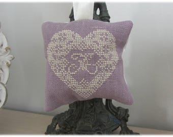 "Scented with Lavender pillow embroidered ""A Atout coeur"""