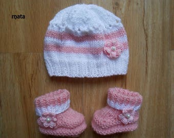 Hat and pink booties for baby girl 0.3mois