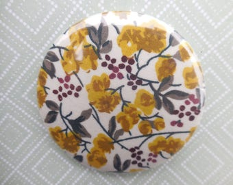 button, fabric flowers, round shaped brooch