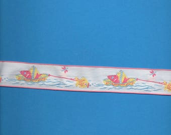 White lace with boats and fish 3 cm wide