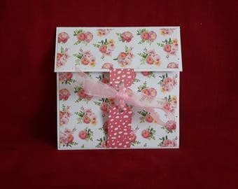 A cheque or Bank gift card envelope