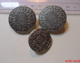 antique metal buttons 3