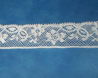 white lace fine flower pattern