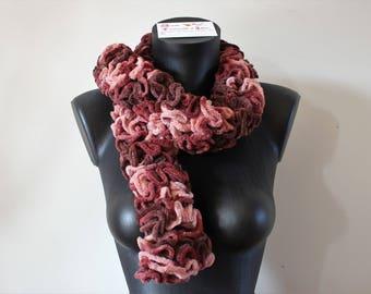 Écharpe froufrous en tricot effet velours