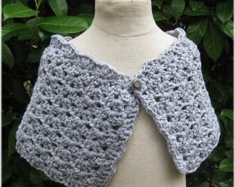 Crocheted light grey Cape