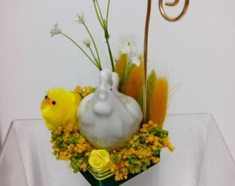 mark up chicken Easter table decoration picture holder