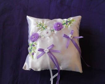 Pillow embroidered flowers on Ribbon (wedding)
