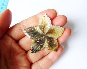 Mother of Pearl pendant flower 50x2mm