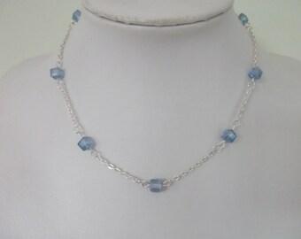 Set sky blue cube beads
