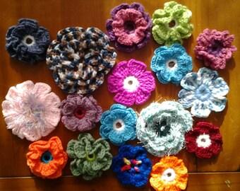 Set of 6 hand made crochet flowers