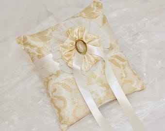 Elegant wedding ring pillow in Ivory and gold