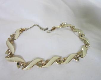 Vintage Retro High Fashion Costume Gold Tone Enameled Necklace