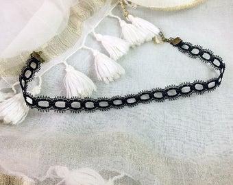 Black 1.2 cm vintage Gothic lace Choker