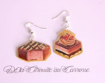 Chocolate earrings filled with Strawberry and cake