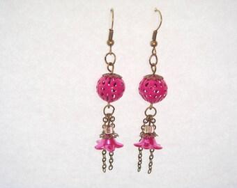 Openwork Pearl fuchsia earrings
