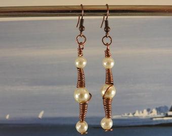 Dangle earrings copper wire glass beads