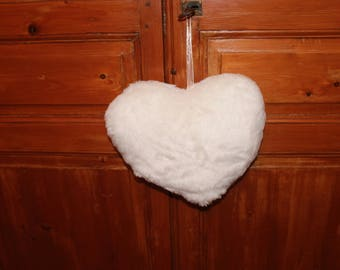 A heart in white fur