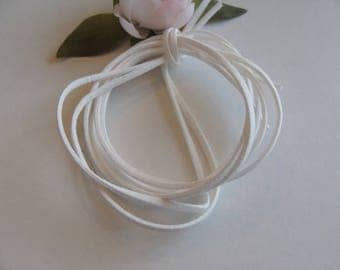 Set of two white faux velvet suede 3 * 2 mm cords