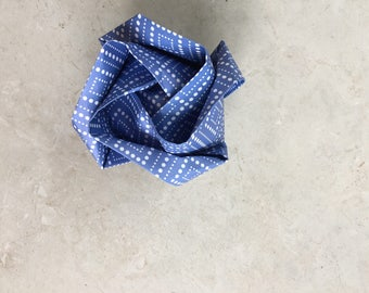 Origami Rose - blue w/ dots