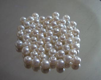 Plastic 4mm Pearl effect beads
