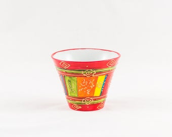 Red hand painted 20 cl porcelain cup
