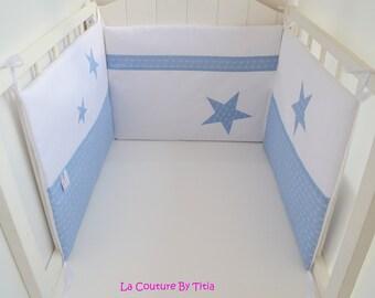 Tour de Lit Fait Main Etoiles Blanc et Bleu écriture @lacouturebytitia